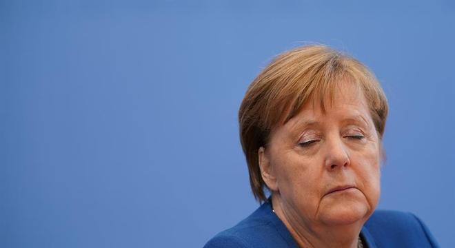 A primeira-ministra da Alemanha, Angela Merkel, se colocou em quarentena