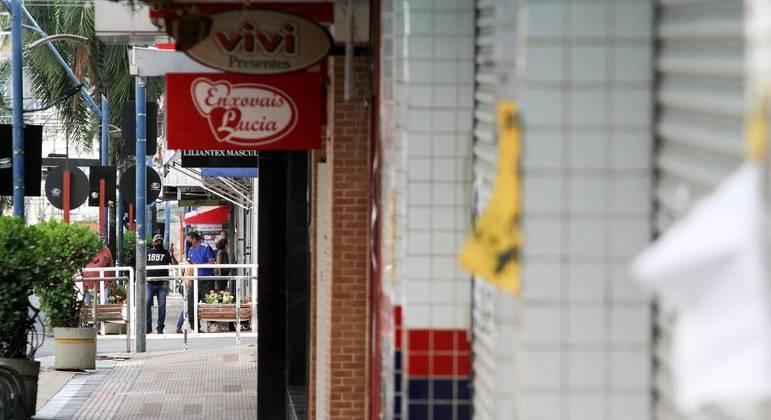 Em Araraquara, no interior de SP, lockdown começou após confirmação de casos de nova cepa