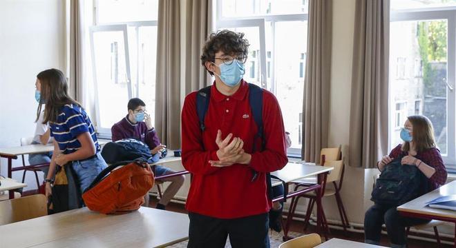 Escolas na Bélgica vão reabrir pela segunda vez este ano, por conta da pandemia