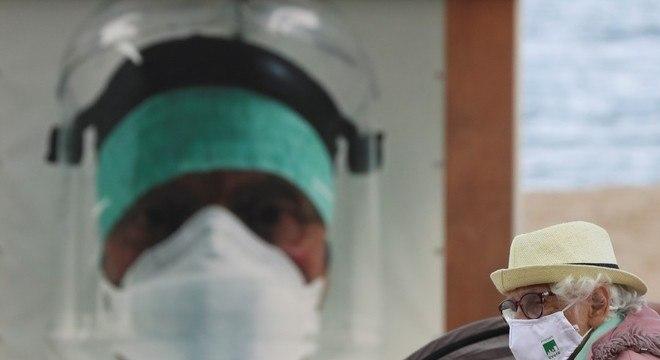A Bélgica exige o uso de máscaras para evitar a disseminação do coronavírus