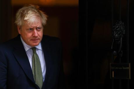 Johnson vai a Bruxelas negociar acordo