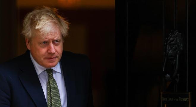 Por falta de preparo, governo britânico pagou cinco vezes mais por equipamentos