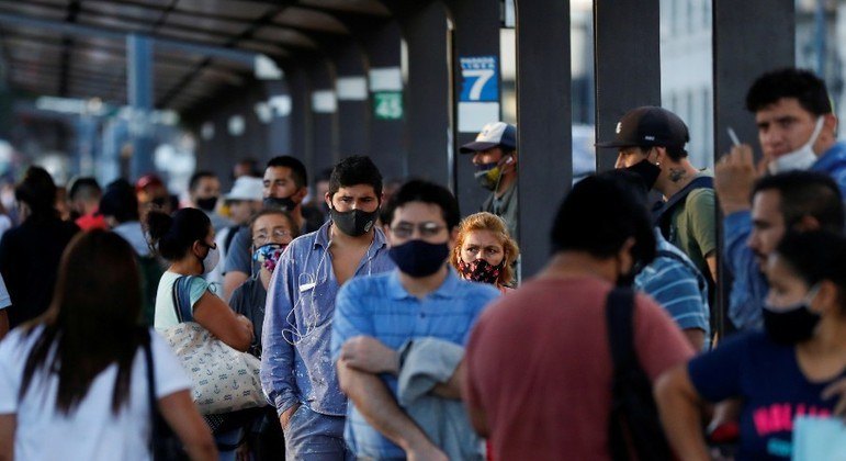 Circulação de pessoas terá restrições, anunciou o governo argentino