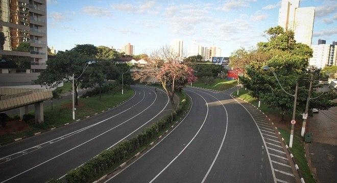 Movimentação na via expressa Waldemar Paschoal (Aquidabã) em Campinas