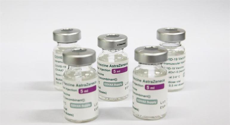Segunda dose do imunizante foi suspensa por precaução, segundo o governo
