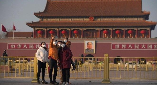 China chegou a fechar fábricas, comércio e pontos turísticos na crise