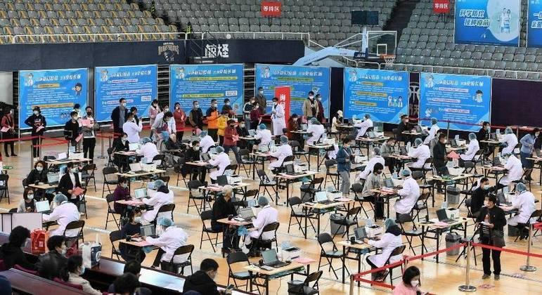 A China já imunizou cerca de 160 milhões de pessoas contra a covid-19