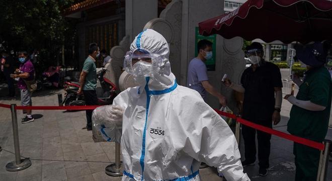 Hospitais de Pequim estão fazendo testes em massa para detectar covid-19