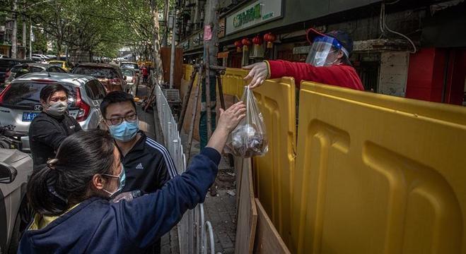 Apesar da liberação, a vida vai demorar a se normalizar em Wuhan