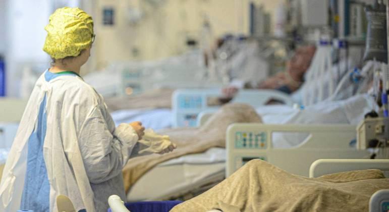 Estados já registram saturação das redes hospitalares pública e privada