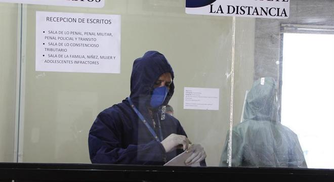 Equador está em processo de relaxamento de medidas de restrição