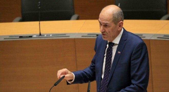 Governo de Janez Jansa busca mais poderes enquanto ameaça a imprensa
