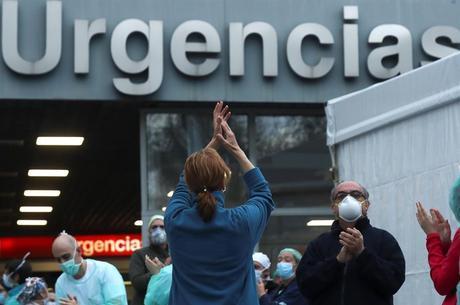 Mais de 20 mil espanhóis morreram na epidemia