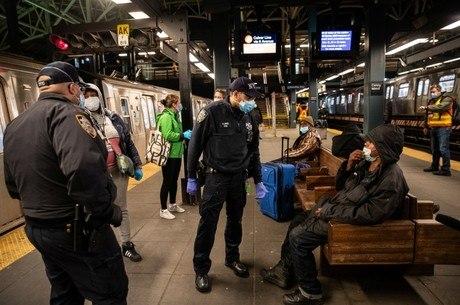 Estado de Nova York lidera o número de casos e mortes nos EUA