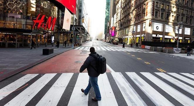Nova York segue esvaziada em meio à pandemia de covid-19