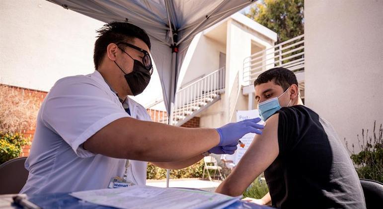 Ritmo de vacinação despencou nos últimos meses nos EUA