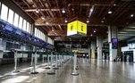 SP - CORONAVÍRUS/GUARULHOS - GERAL - Movimentação de pessoas no Aeroporto de Cumbica, na cidade de Guarulhos, Guarulhos, grande São Paulo, nesta sexta-feira, 22 de maio de 2020, em meio à pandemia do Coronavírus (covid-19).