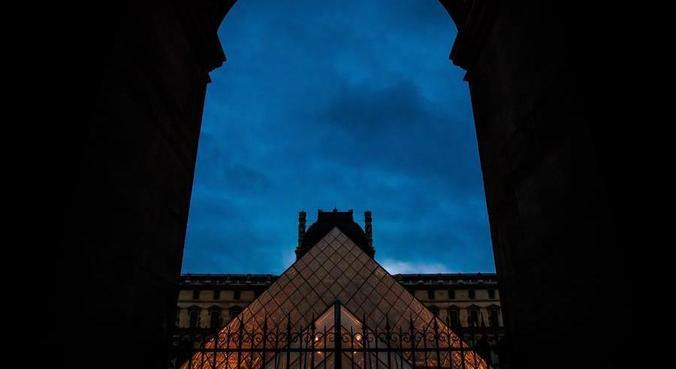 Museus como o Louvre permanecerão fechados na França