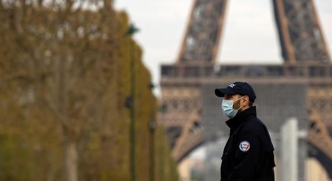 França ultrapassa barreira das 10 mil mortes por covid-19
