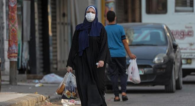 Para conter o surto,  Gaza adotou medidas como uso de máscaras e quarentena