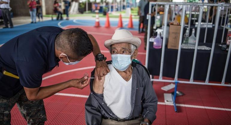 A Guatemala tem uma das vacinações mais lentas da América Latina