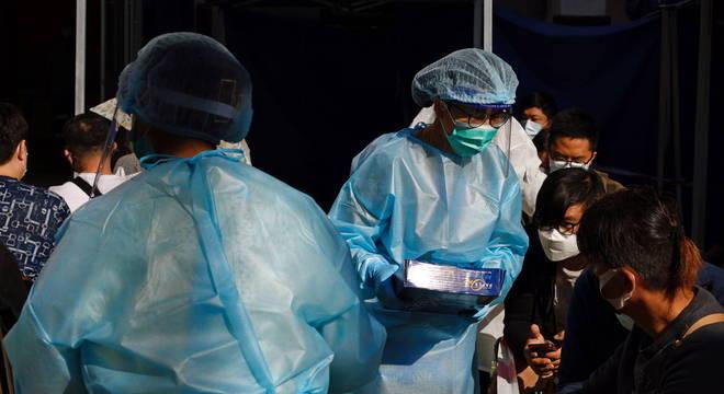 Hong Kong anuncia novas medidas para conter avanço da covid-19