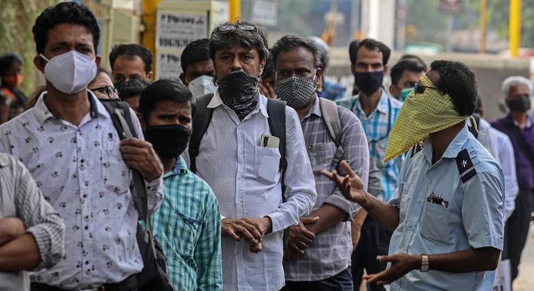 A Índia confirmou quase 400 mil novos casos apenas nas últimas 24 horas