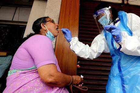 Índia supera Brasil em número de casos de covid-19