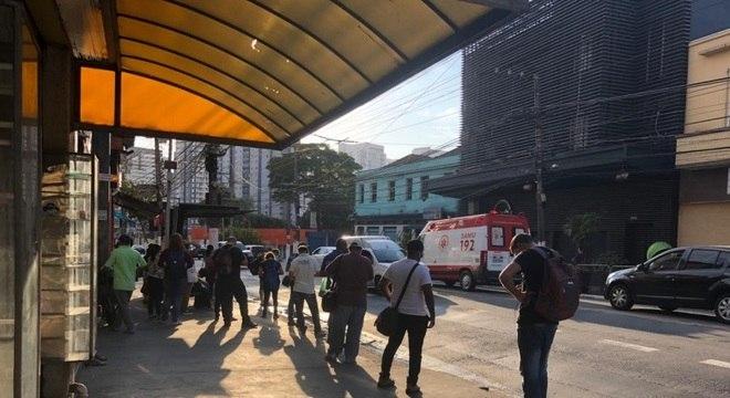 Governo de SP não segue decreto presidencial para abertura de academias e salões