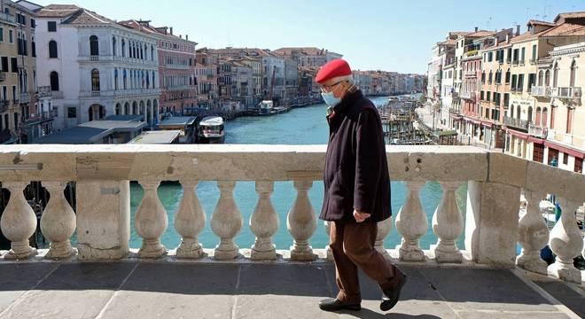 Itália proibiu circulação de pessoas em todo o território desde a semana passada