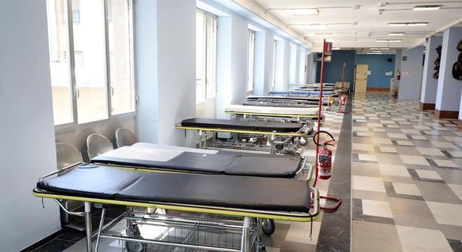 Ala de hospital em Crema vazia após o coronavírus ser controlado na cidade