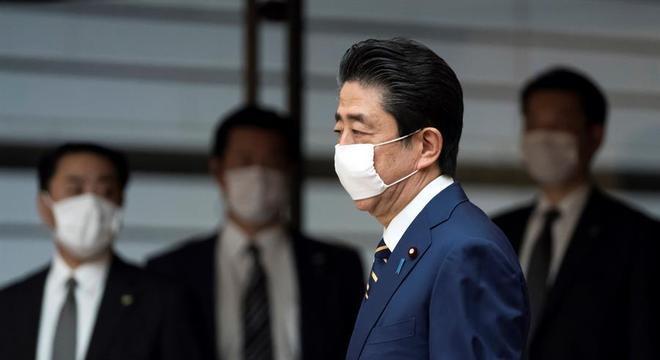 O governo de  Shinzo Abe não inclui Tóquio da reativação do turismo