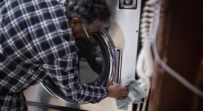 Comunidade latina ajuda os EUA a atravessar o pior da pandemia de covid-19