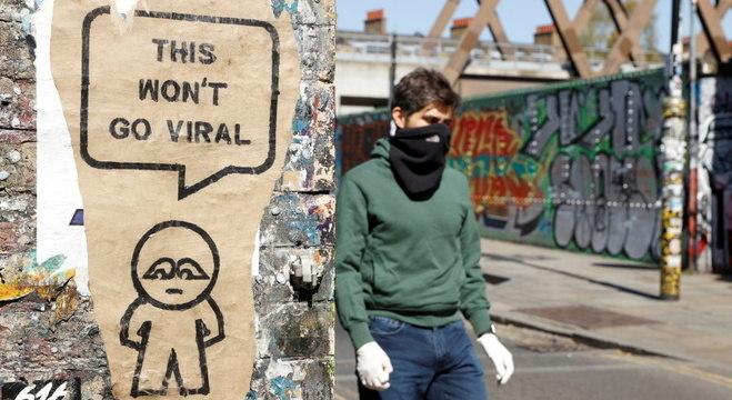 'Não vai viralizar', diz grafiti em parede de Londres: estudo indica mais mortes por covid-19