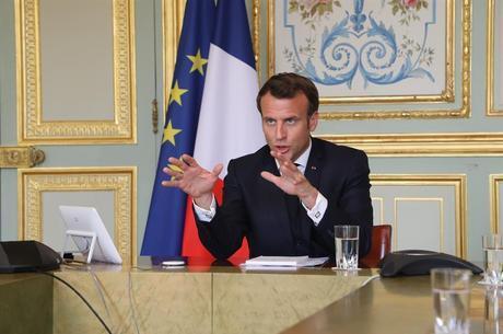 Macron não considera novo confinamento viável