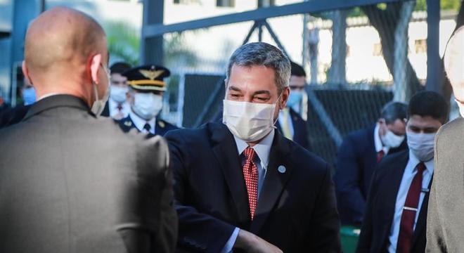 Presidente do Paraguai anunciou que não há pacientes em UTIs por covid-19