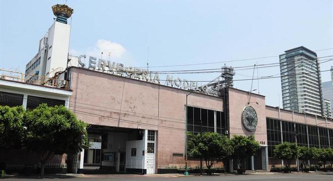 Maiores cervejarias do México estão paradas durante a crise do coronavírus