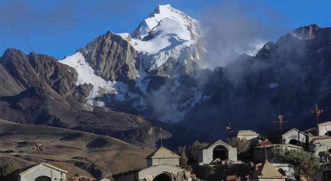 Alpinistas escalaram picos  como o Huayna Potosí sem saber da pandemia