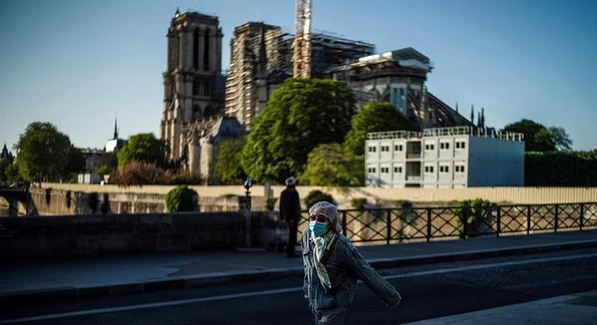 Restauração de Notre Dame está suspensa durante quarentena contra a covid-19