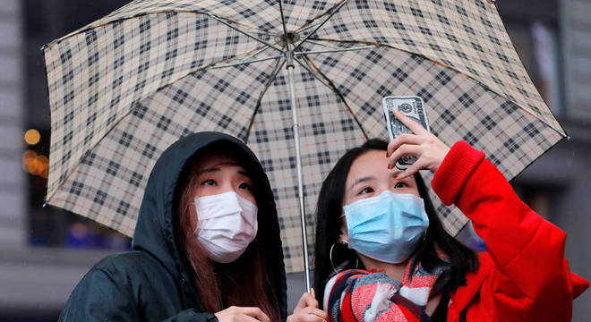 Asiáticos se tornaram alvo de racismo por medo do coronavírus