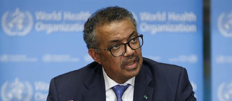 O diretor-geral da OMS expôs a necessidade de combater a desinformação