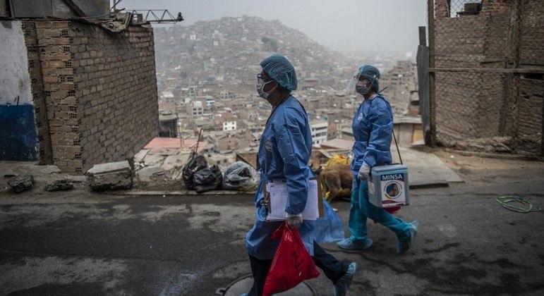 Pandemia matou quase três vezes mais pessoas que o estimado no Peru