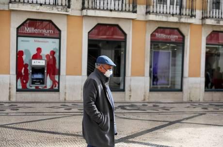 Portugal trabalha parcialmente com coronavírus