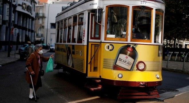 Idosos terão prioridade no plano de vacinação em Portugal