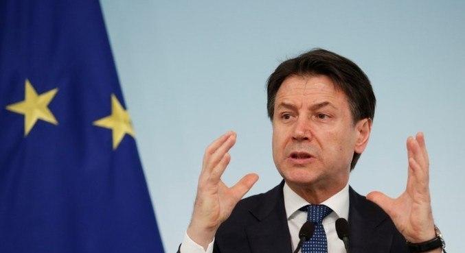 Primeiro-ministro da Itália, Giuseppe Conte, renuncia