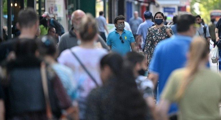 Aumento de casos ameaça última fase de reabertura, marcada para o dia 21