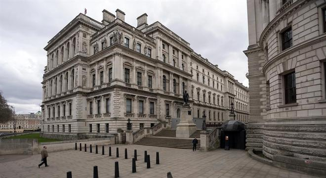Westminster, no centro de Londres, segue esvaziada pela quarentena