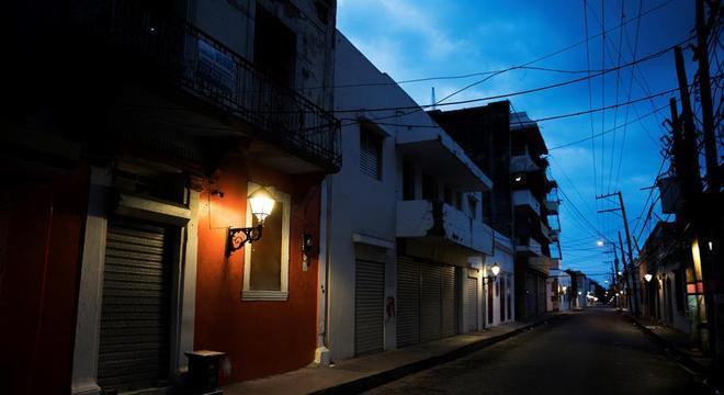 Além da pandemia e da quarentena, Santo Domingo lida com bebidas adulteradas