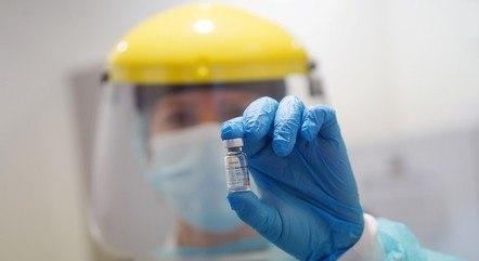 Fortaleza já vacina pessoas com 59 anos de idade