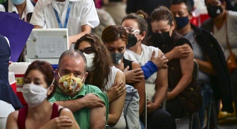 Vacinação prossegue em ritmo lento nos países da América Latina e do Caribe